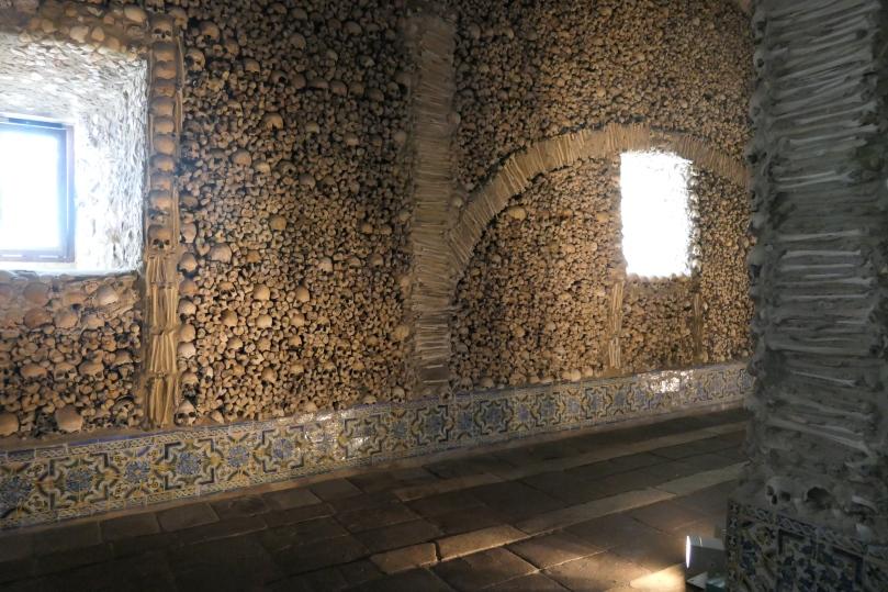 evora-knochenkirche